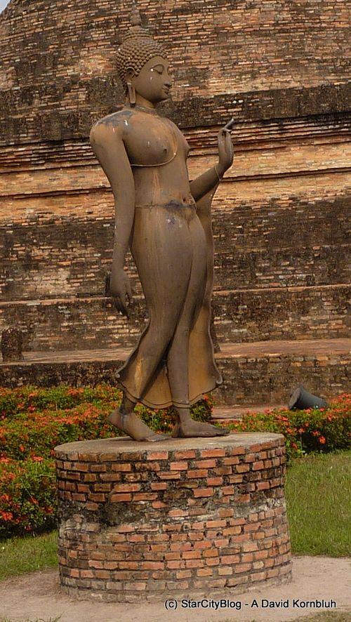 Standng Buddha